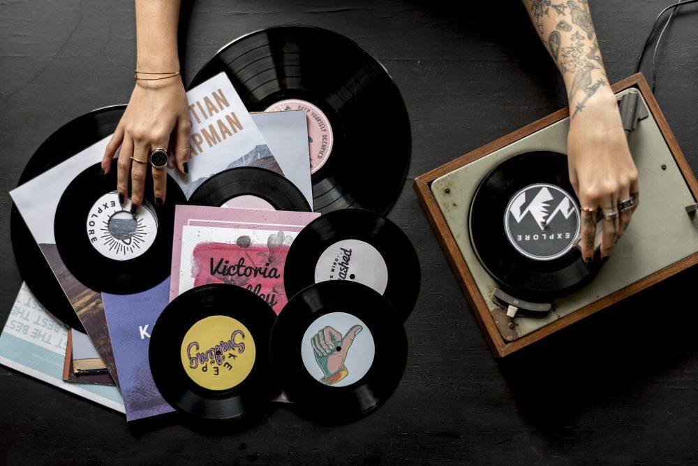 Le retour du vinyle dans les foyers français : le succès du vintage ?