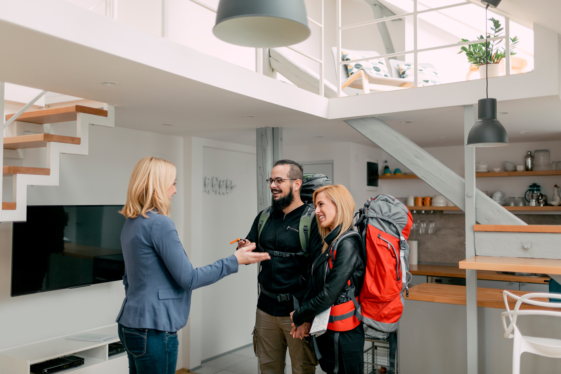 Le Monde a publié en août 2017 une enquête révélant qu'une annonce Airbnb sur cinq en France, serait désormais émise par un multipropriétaire.